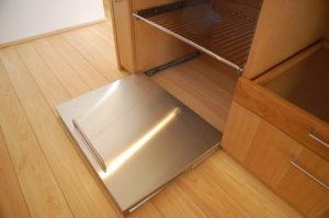 木製とステンレスを組み合わせたキッチン